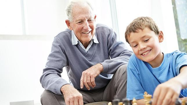 Resultado de imagen de abuelos y nietos